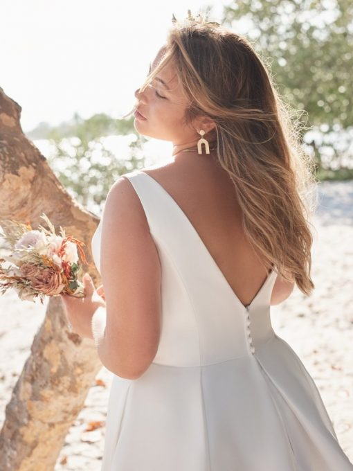 v neck plain plus size wedding dress with pockets